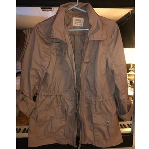 Beige trench jacket with sinch